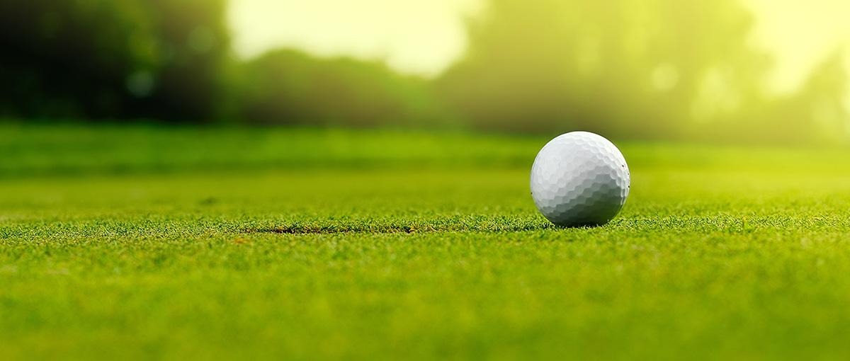 golfpallo nurmella